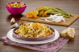 Pasta con salsa de flor de calabaza deslactosada