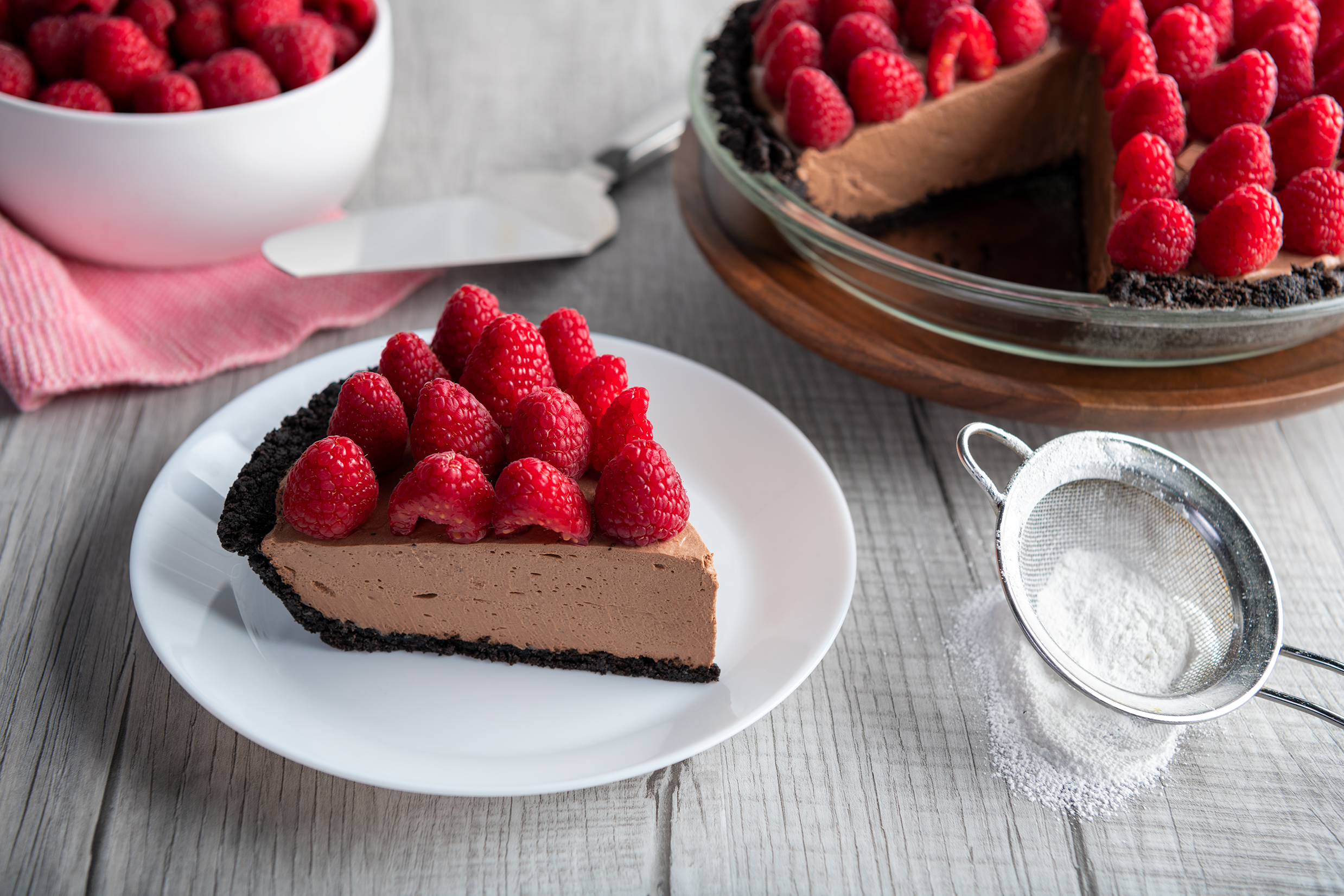 No Bake Chocolate Raspberry Pie