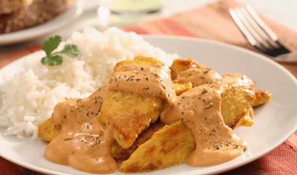 Pollo a la Mayomoz en crema de chipotle