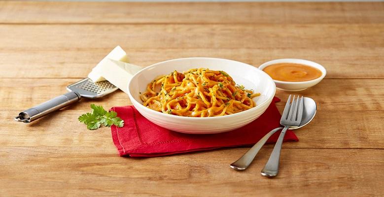 Espagueti con salsa de pimiento y ajo