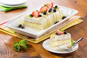 Pastel helado de pay de limón y yogurt