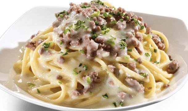 Spaghetti en salsa de serrano