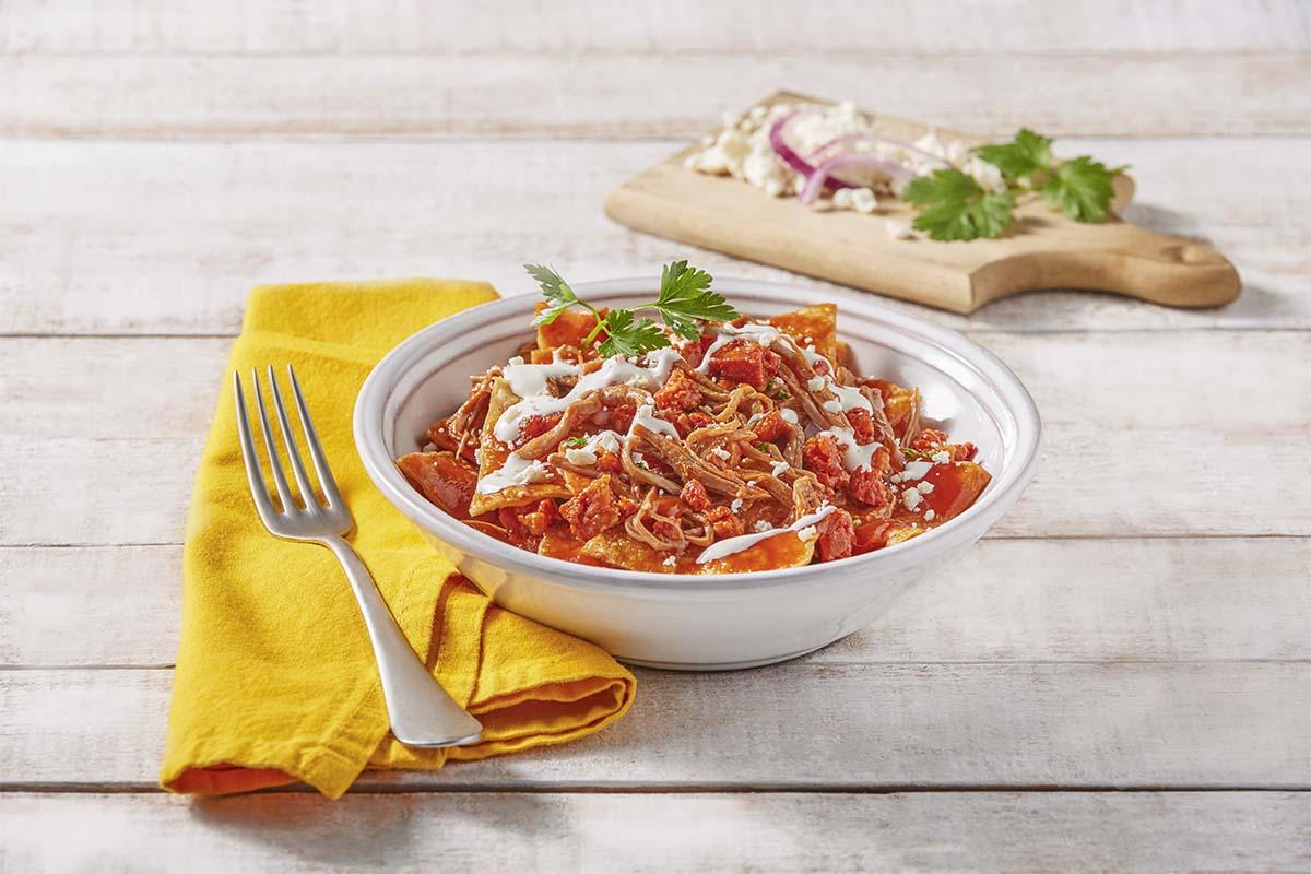 Chilaquiles con salsa de chorizo