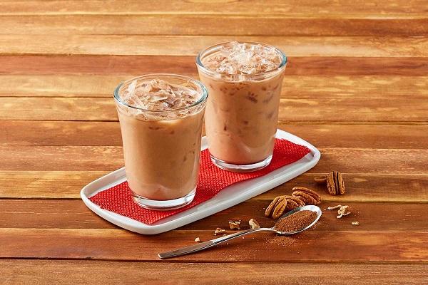 Bebida fría de chocolate con nuez