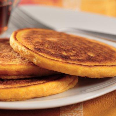 Easy Cinnamon-Vanilla Pancakes
