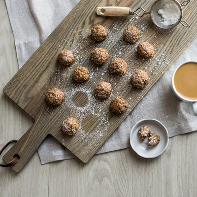 No Bake Almond Caramel Cookies