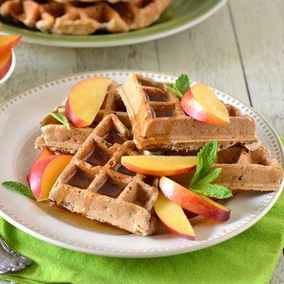 Waffles de Multigrano con Nectarinas