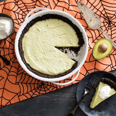 Pie de Aguacate de Monstruo Verde con Corteza de Chocolate