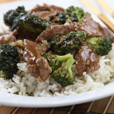 Res y Brócoli Estilo Chino