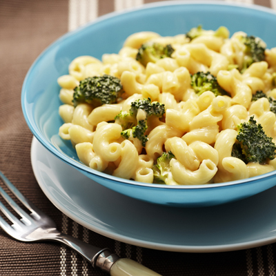 Pasta with Creamy Cheese and Broccoli Sauce