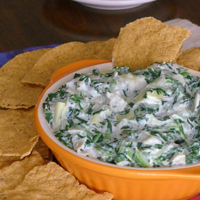 Dip de Espinaca y Alcachofa en la Olla de Cocción Lenta