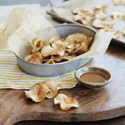 Baked Apple Chips with Dulce de Leche