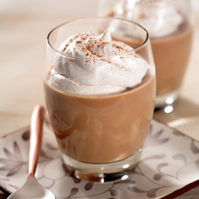 Café Latte Gelatin with Cinnamon Cream