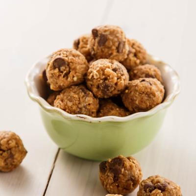 No-Bake Peanutty Granola Bites