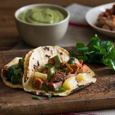 Tacos al Pastor con Salsa Cremosa de Poblano con Chipotle