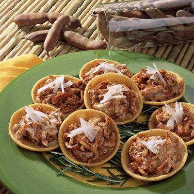 Tostadas de Maíz con Mole de Tamarindo