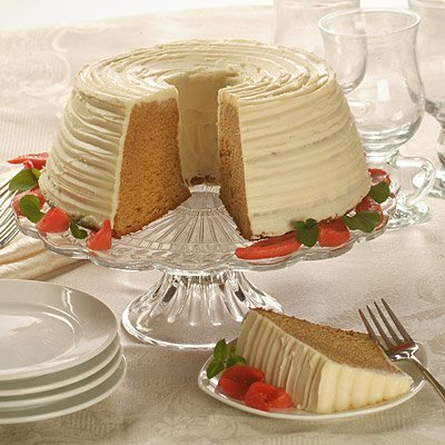 Dominican Brown Sugar Cake with CARNATION® Frosting