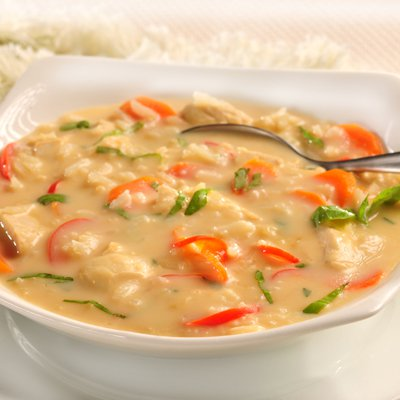 Mediterranean Chicken and Lemon Soup