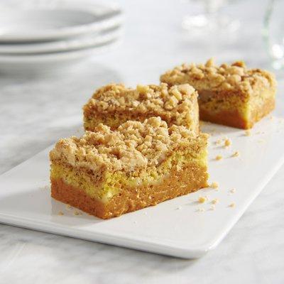LIBBY'S® Easy Pumpkin Crumb Cake