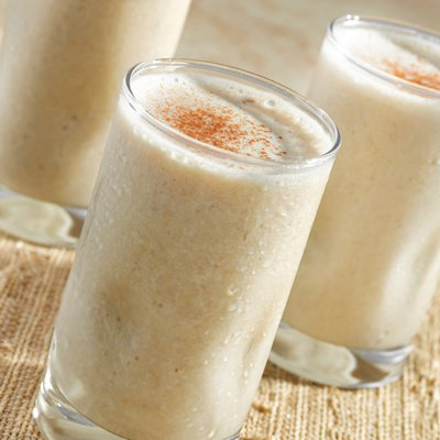 Fruit and Oatmeal Breakfast Smoothie