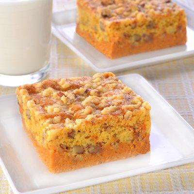 Pumpkin Cinnamon Crunch Cake