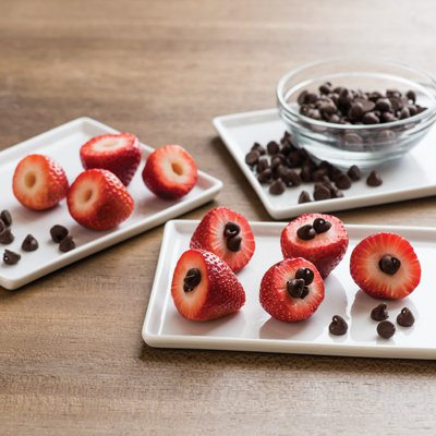 Chocolate-Stuffed Berries
