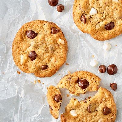 NESTLÉ® TOLL HOUSE® Triple Chip Cookies