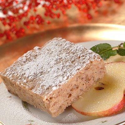 Barras de pastel de nuez y canela con manzana