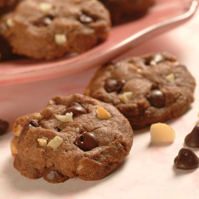 Lee's Chocolate, Chocolate Chip, Peanut Butter and Macadamia Nut Cookies