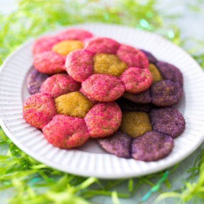 Flower-Shaped Sugar Cookies