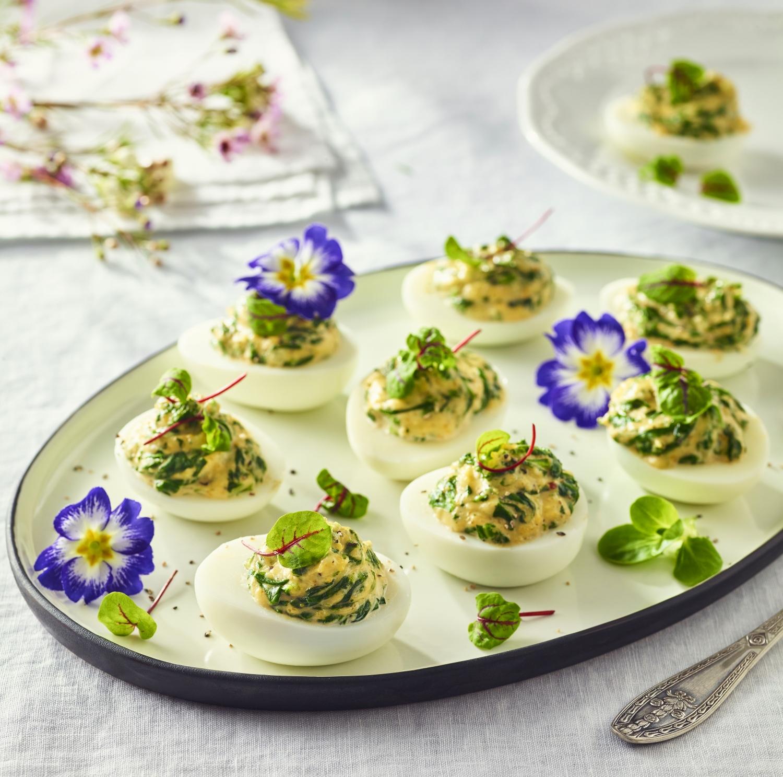 Jajka faszerowane pastą ze szpinakiem