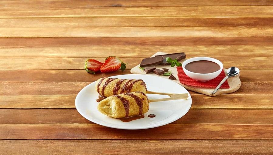 Banderillas de plátano con salsa de chocolate
