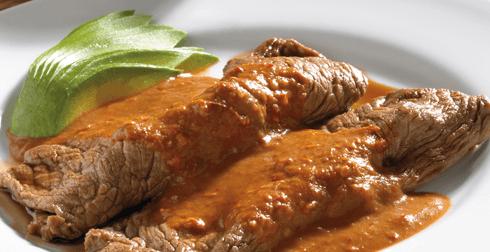 Bisteces en chile morita