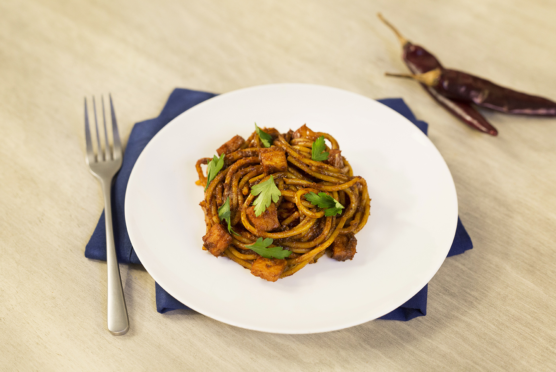 Spaghetti con salsa de ciruela