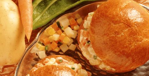 Tortitas de pollo, zanahoria, elote y chicharos