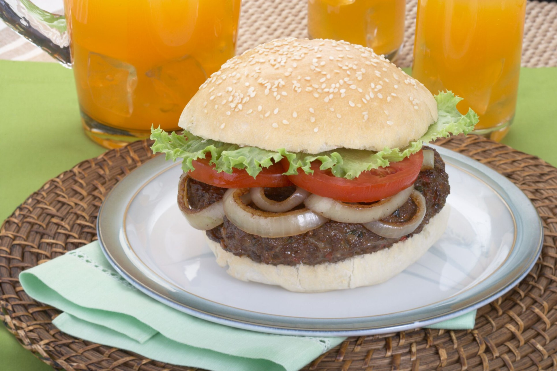 Jerk Burger with Onions