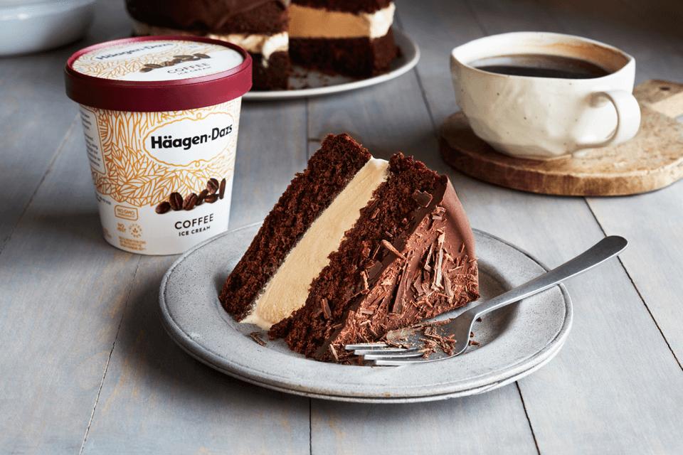 COFFEE ICE CREAM FUDGE CAKE