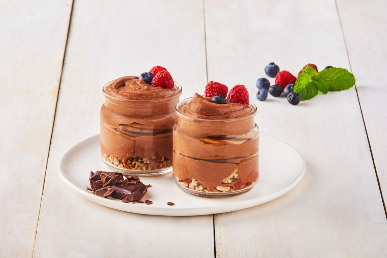 Chocolate walnut dessert