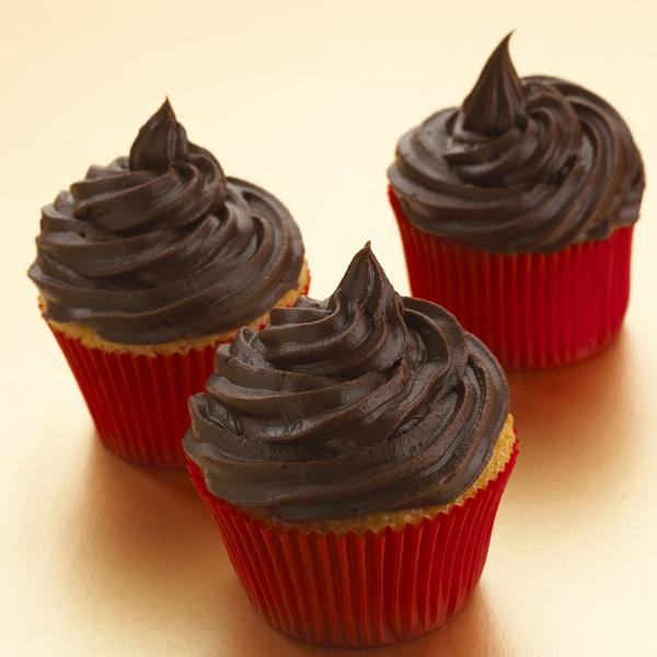 Cupcakes con betún de chocolate