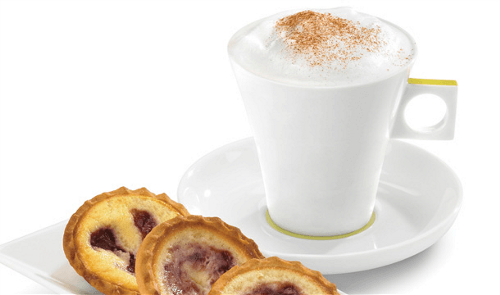 Cappuccino con cheesecake marmoleado de frambuesa