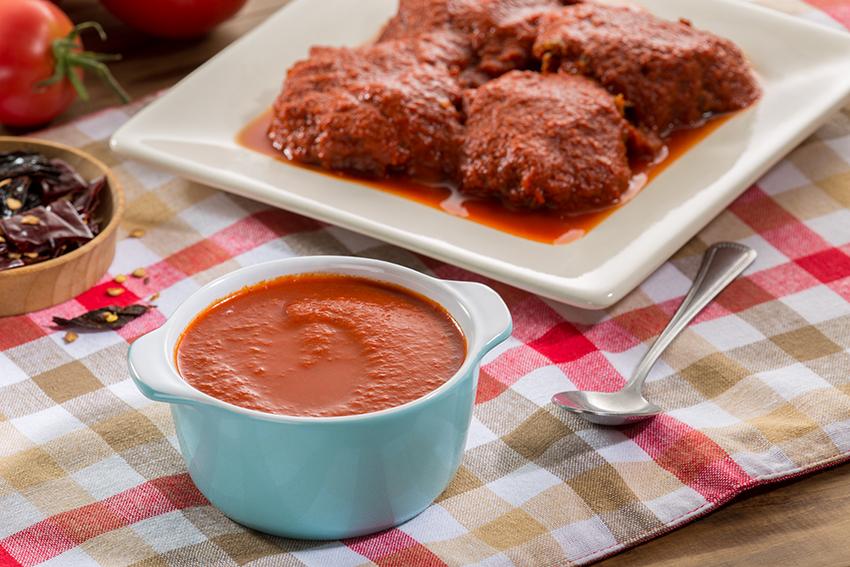 Tortitas de carne con salsa de dos chiles