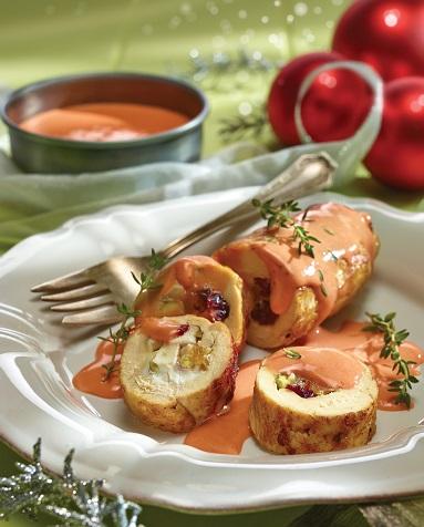 Pechuga rellena de frutos secos con salsa de piña