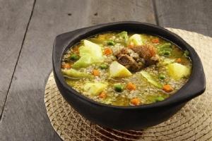Sopa de arroz de cebada