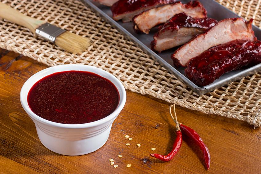 Costillas de cerdo en salsa de jamaica
