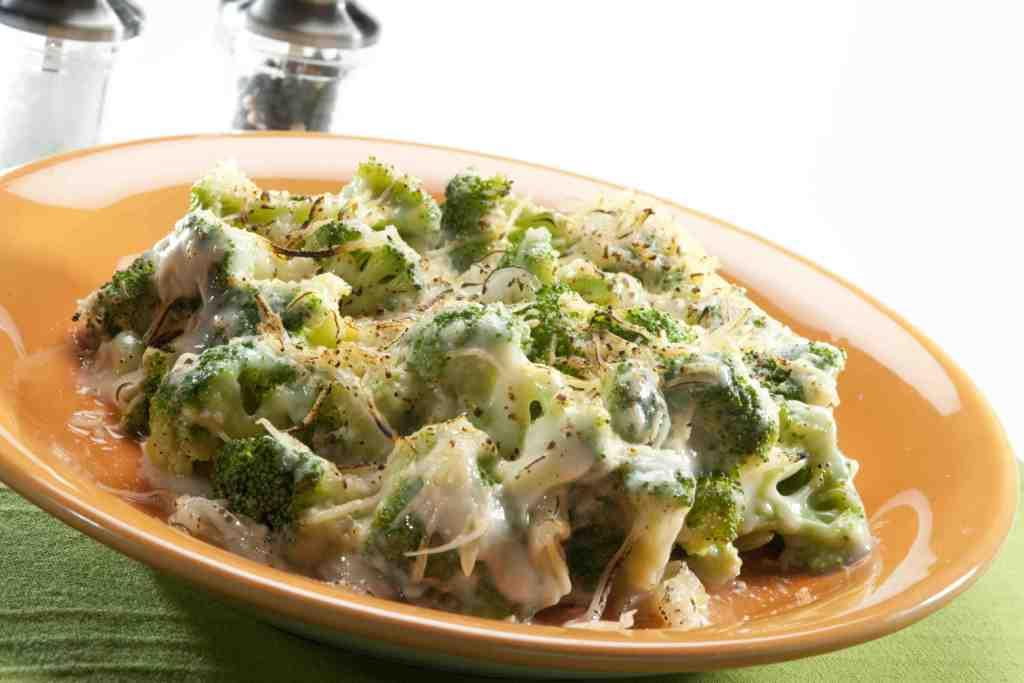 Brócoli a la crema de cebolla