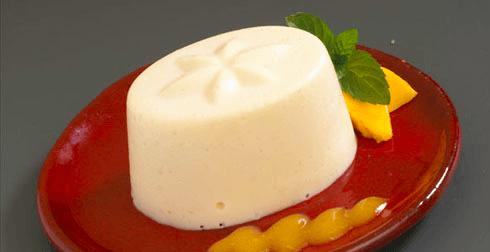 Gelatina de queso con salsa de chabacano