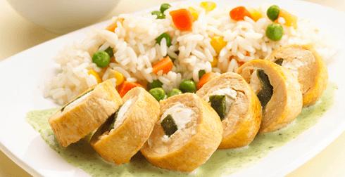 Rollitos de pollo en salsa de cilantro
