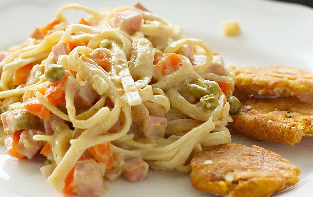 Pasta con Crema y Vegetales
