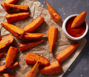 Sweet Potato Wedges with Creamy Sriracha Ketchup