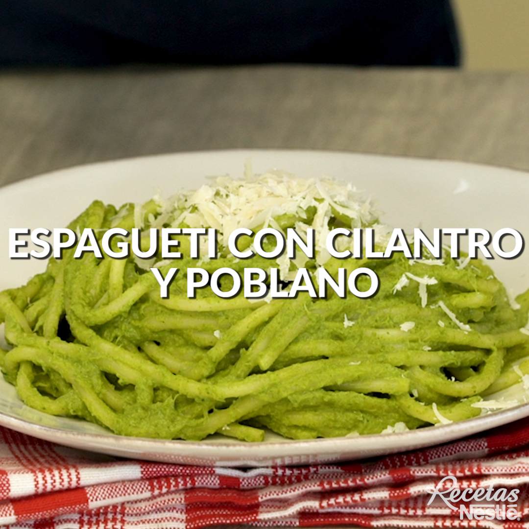 Espagueti en salsa de cilantro y poblano